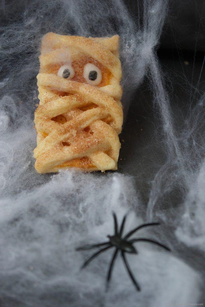 Mumienkekse, eine lustige aber dennoch gruselige Idee für Halloween von Sweets and Lifestyle