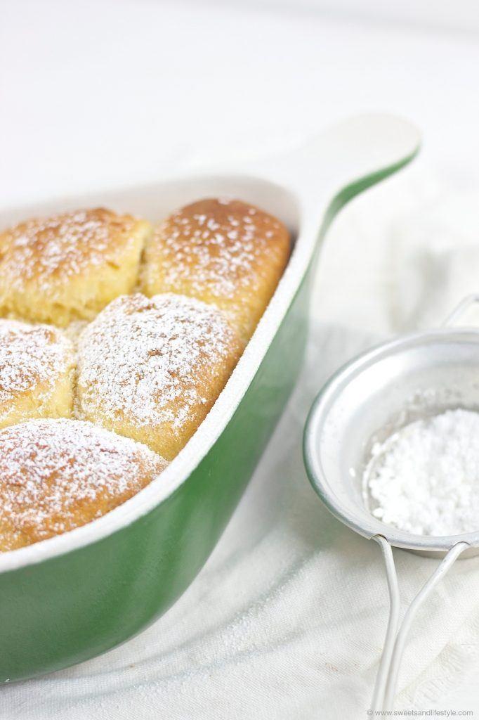 Buchteln gefüllt mit Marillenmarmelade von Sweets and Lifestyle