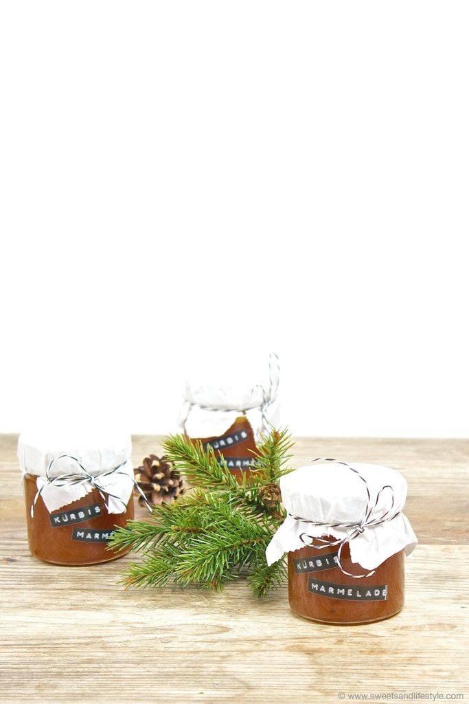Fruchtig-würzige Kürbismarmelade mit Ingwer und Tonkabohne als DIY Weihnachtsgeschenk aus der Küche von Sweets and Lifestyle