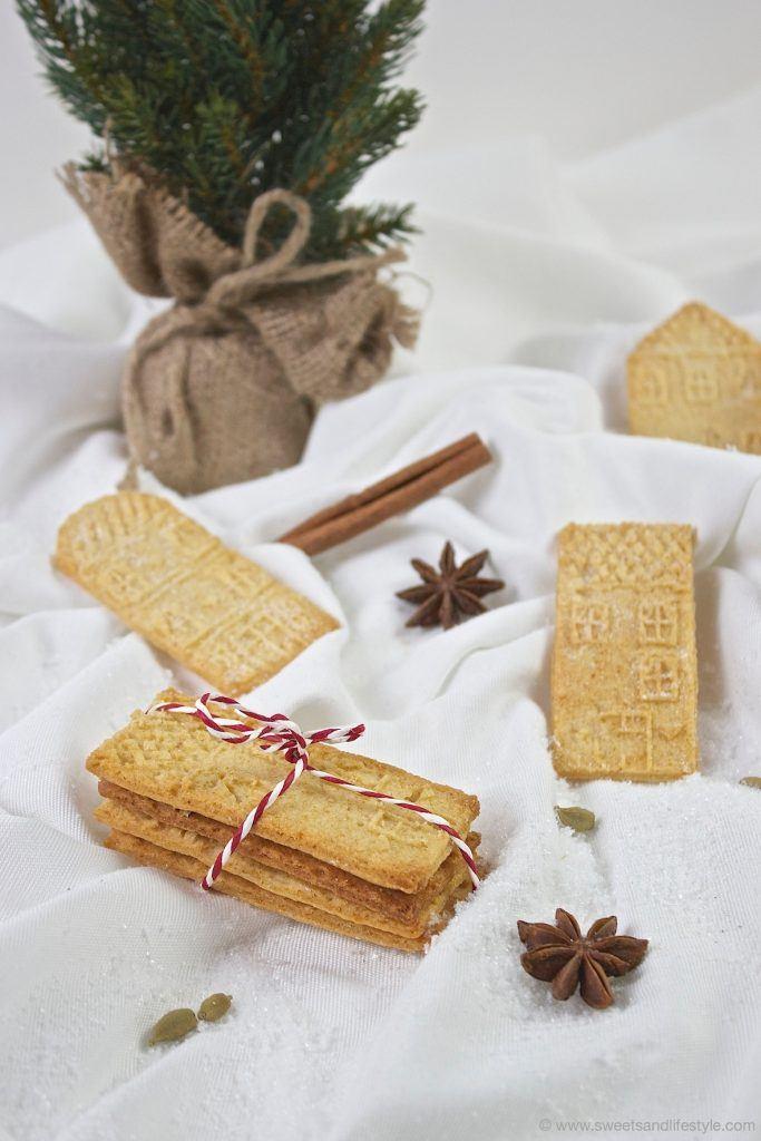 Leckerer selbst gemachter Spekulatius mit Marzipan als selbst gemachtes Weihnachtsgeschenk von Sweets and Lifestyle