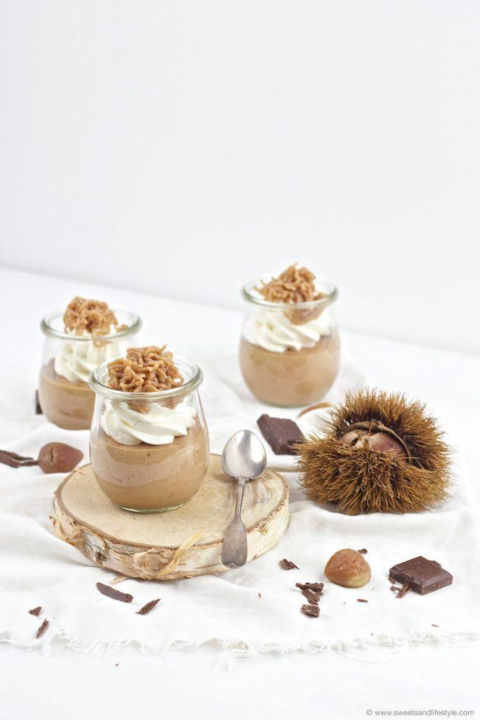 Köstliches Schoko Maroni Mousse mit einem Schuss Baileys serviert im Glas von Sweets and Lifestyle