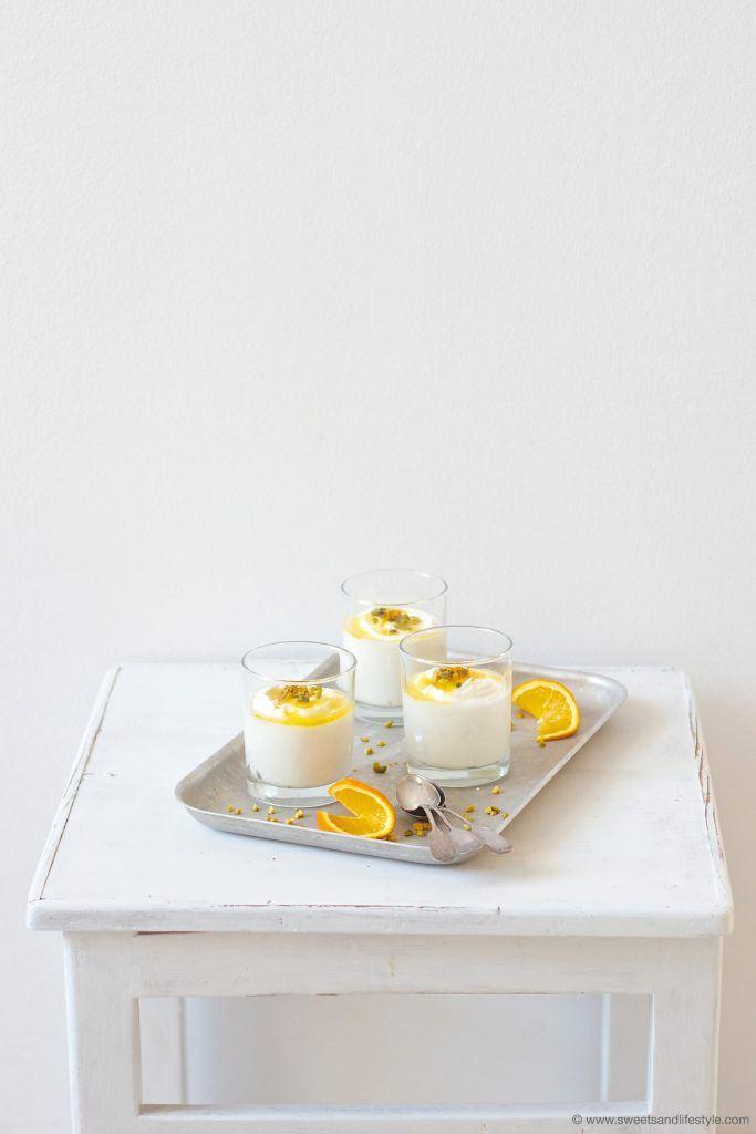 Köstliche Creme aus weisser Schokolade mit Orangensauce nach einem Rezept von Sweets and Lifestyle