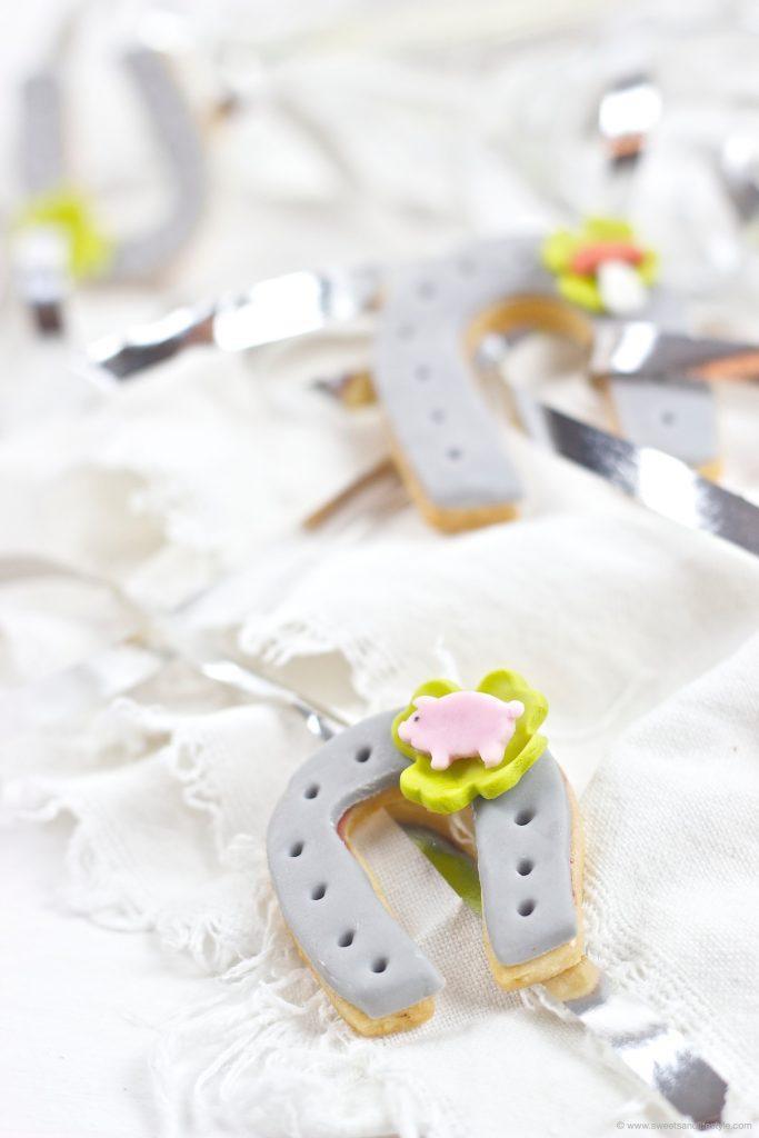 Süße Hufeisen als selbst gemachter Gluecksbringer fuer das neue Jahr von Sweets and Lifestyle