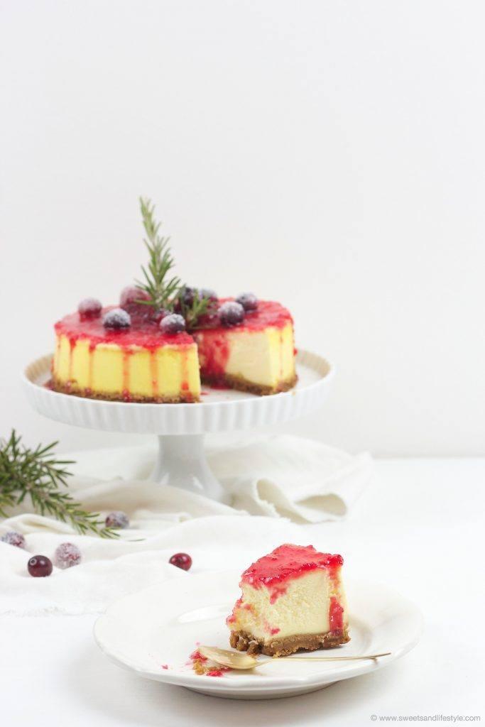 Koestlicher Spekulatius Cheesecake mit Cranberry Sauce, von dem man nicht genug bekommt, nach einem Rezept von Sweets and Lifestlye
