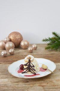 Koestliches Vanillekipferl Parfait, das auf der Zunge zergeht, als Dessert zu Weihnachten von Sweets and Lifestyle
