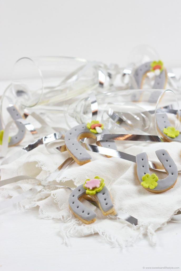 Glückshufeisen als selbst gemachte Silvester Glücksbringer von Sweets & Lifestyle®