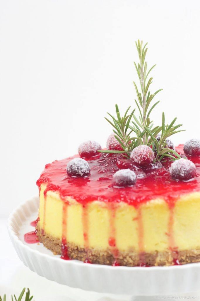 Spekulatius Cheescake mit leckerer Cranberry Sauce obendrauf von Sweets and Lifestyle
