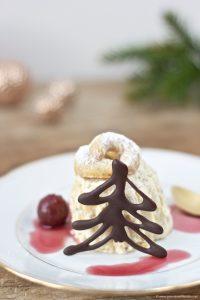 Köstliches Vanillekipferl Parfait, das perfekte Weihnachtsdessert, nach einem Rezept von Sweets and Lifestyle