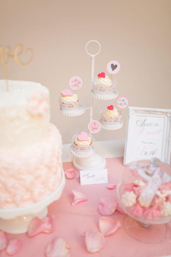 Wunderschöne, einfach herzustellende Hochzeits Cupcakes nach einem Rezept von Sweets and Lifestyle