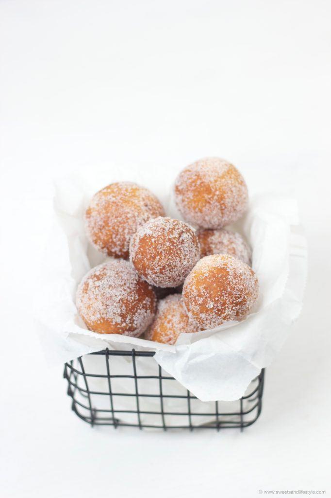 Topfenbaellchen, einfach und schnell selbst herzustellen nach dem Rezept von Sweets and Lifestyle