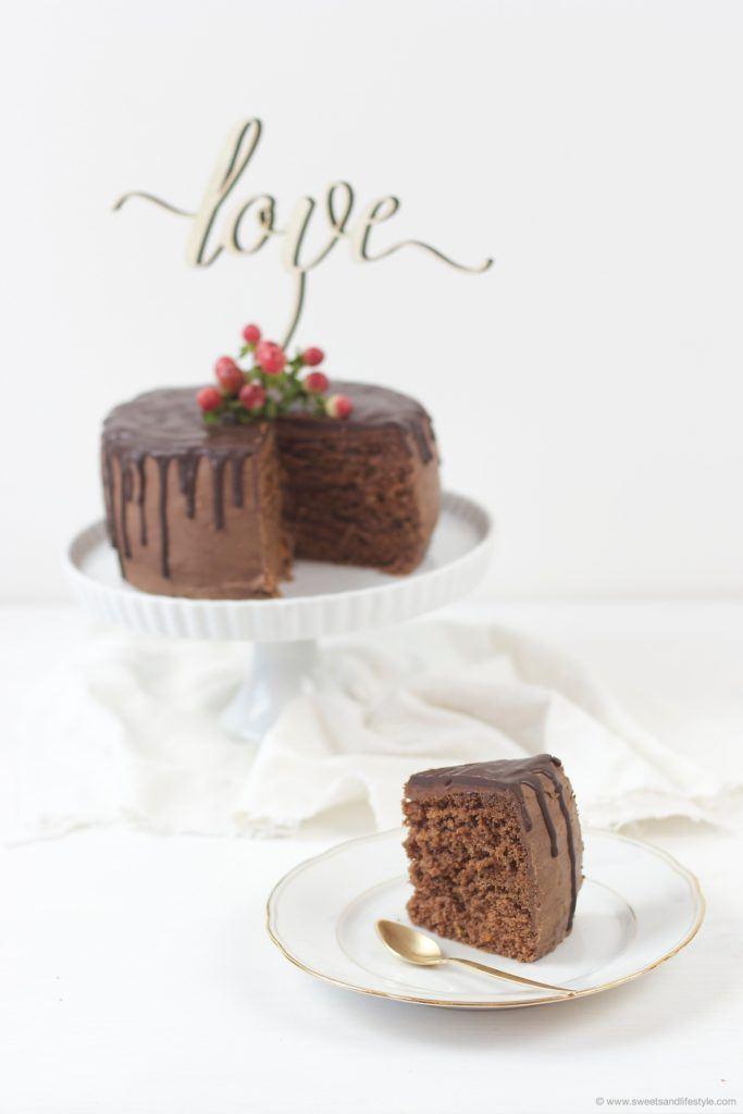 Angeschnittene Schokoladentorte nach einem Rezept von Sweets and Lifestyle