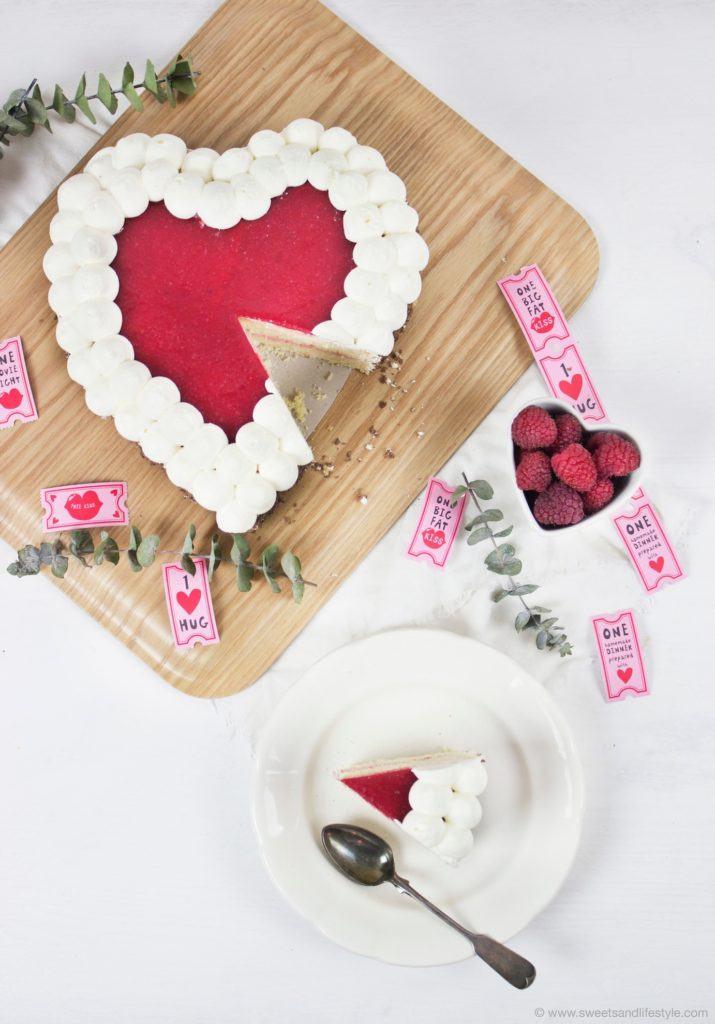 Koestliche Himbeer Herz Torte zum Valentinstag von Sweets and Lifestyle