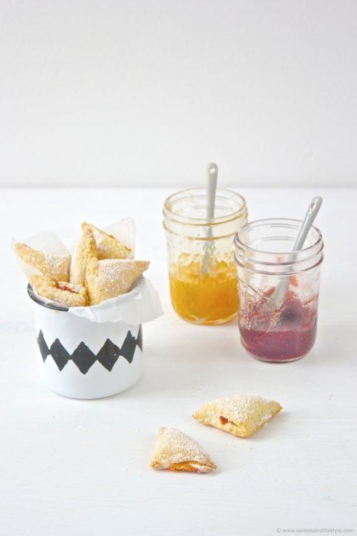 Leckere Polsterzipf gefuellt mit zweierlei Marmelade von Sweets and Lifestyle