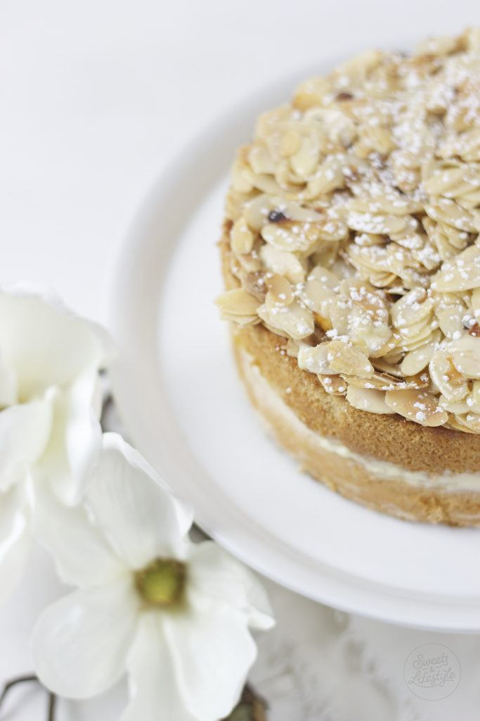 Leckere Bienenstich Torte von Sweets and Lifestyle