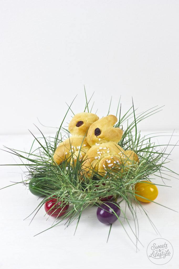 Selbst gebackene Brioche Osterhasen mit Hagelzucker nach einem Rezept von Sweets and Lifestyle