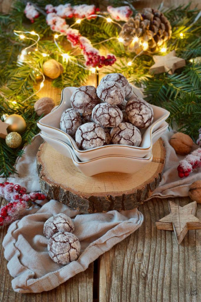 Leckere Chocolate Crinkle Cookies nach einem Rezept von Sweets & Lifestyle®