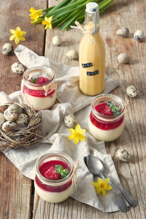 Eierlikör Mousse Rezept mit Himbeeren von Sweets & Lifestyle®