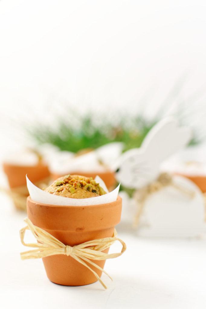Saftiger Karottenkuchen im Blumentopf gebacken als selbst gemachtes Mitbringsel zur Osterjause von Sweets and Lifestyle