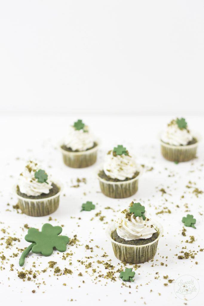 Leckere St Patrick's Day Cupcakes in typischem Gruen von Sweets and Lifestyle