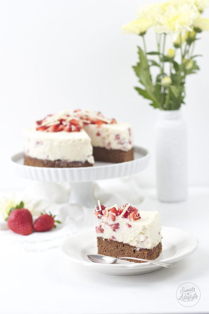 Koestliche auf der Zunge zergehende Schoko Erdbeer Torte von Sweets and Lifestyle