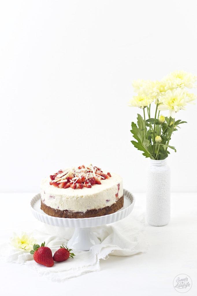 Leckere erfrischende Schoko Erdbeer Torte nach einem Rezept von Sweets and Lifestyle
