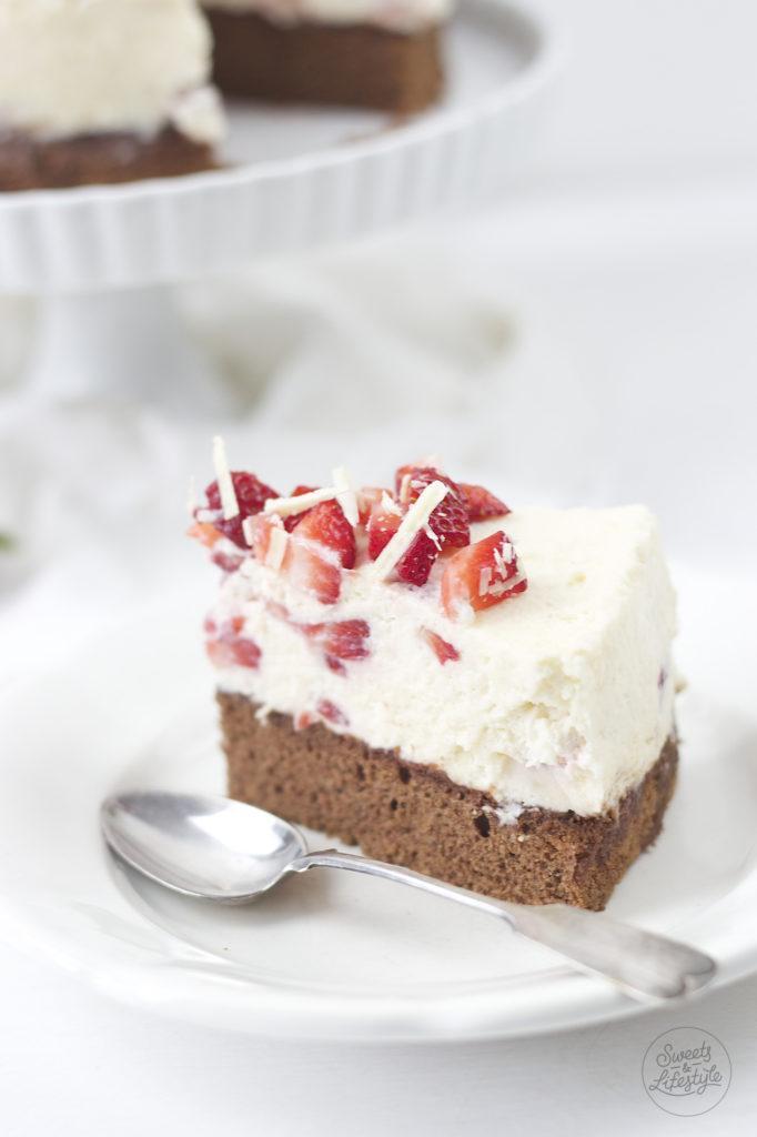 Koestliche Schoko Erdbeer Torte mit Sahne von Sweets and Lifestyle