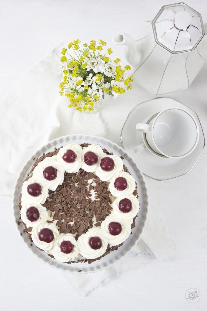 Koestliche Schwarzwaelder Kirschtorte zum Muttertag von Sweets and Lifestyle