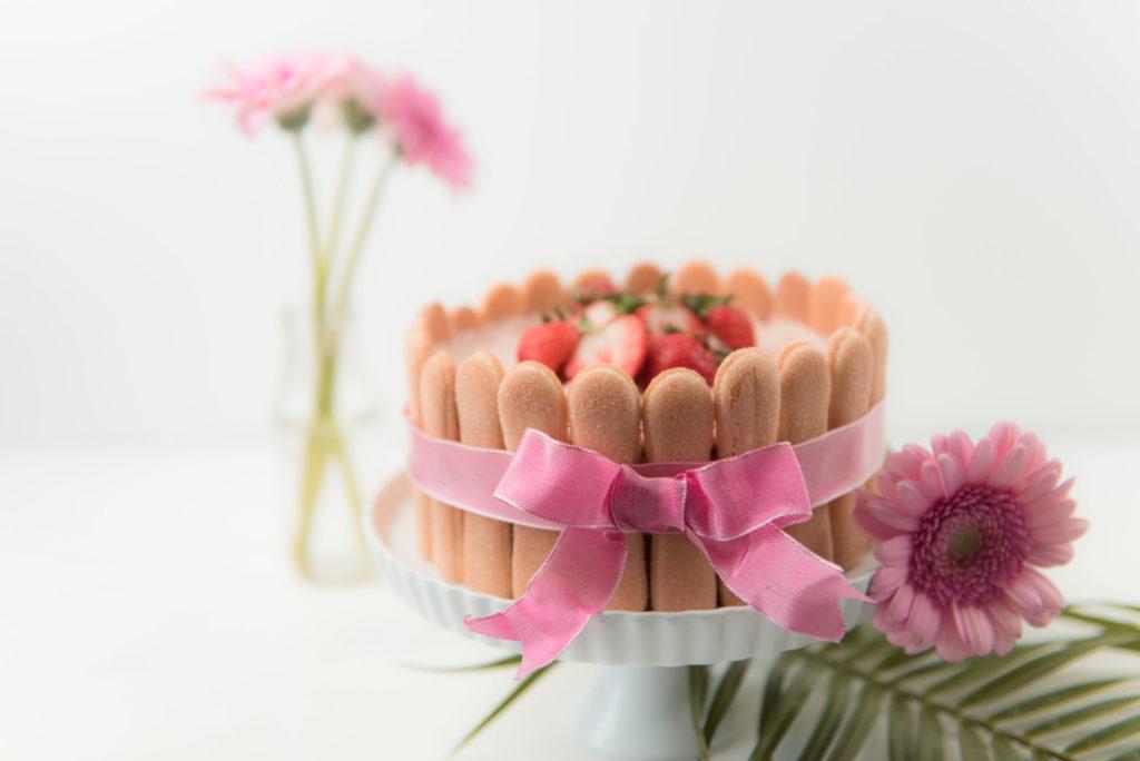 Koestliche Erdbeer Charlotte als Muttertagstorte von Sweets and Lifestyle