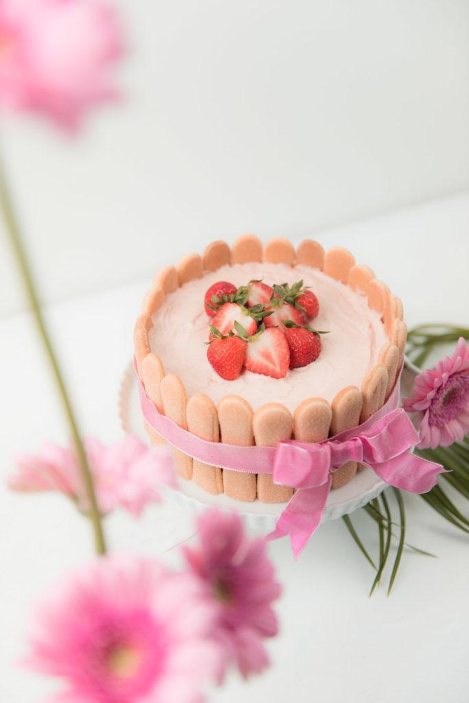 Leckere Erdbeer Charlotte fuer den Muttertag von Sweets and Lifestyle