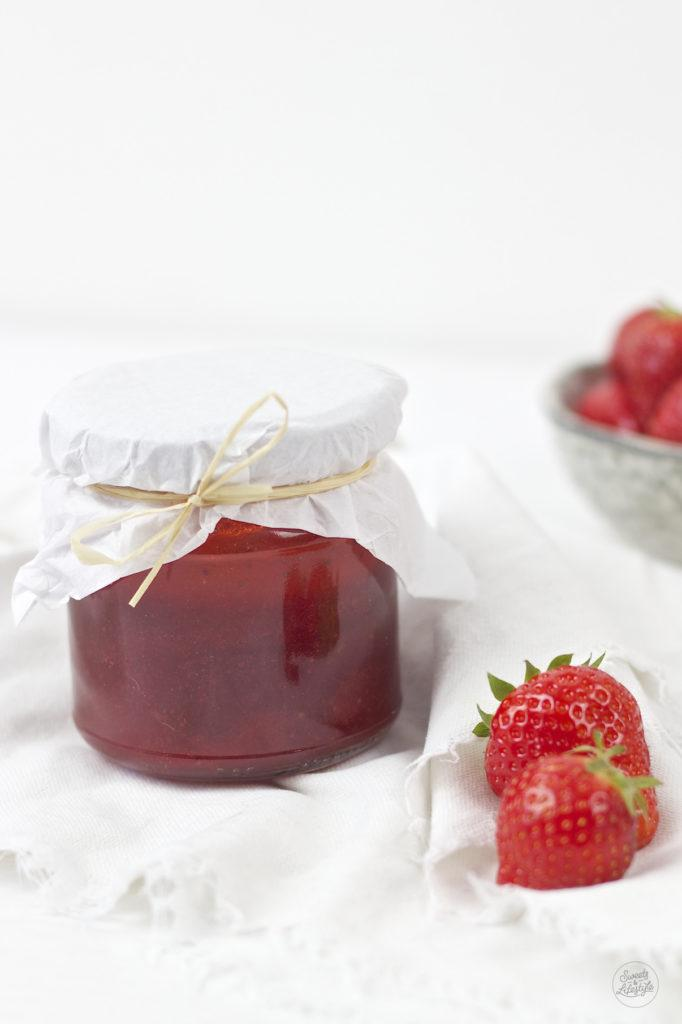 Koestliches Erdbeer Aperol Marmeladen Rezept von Sweets and Lifestyle