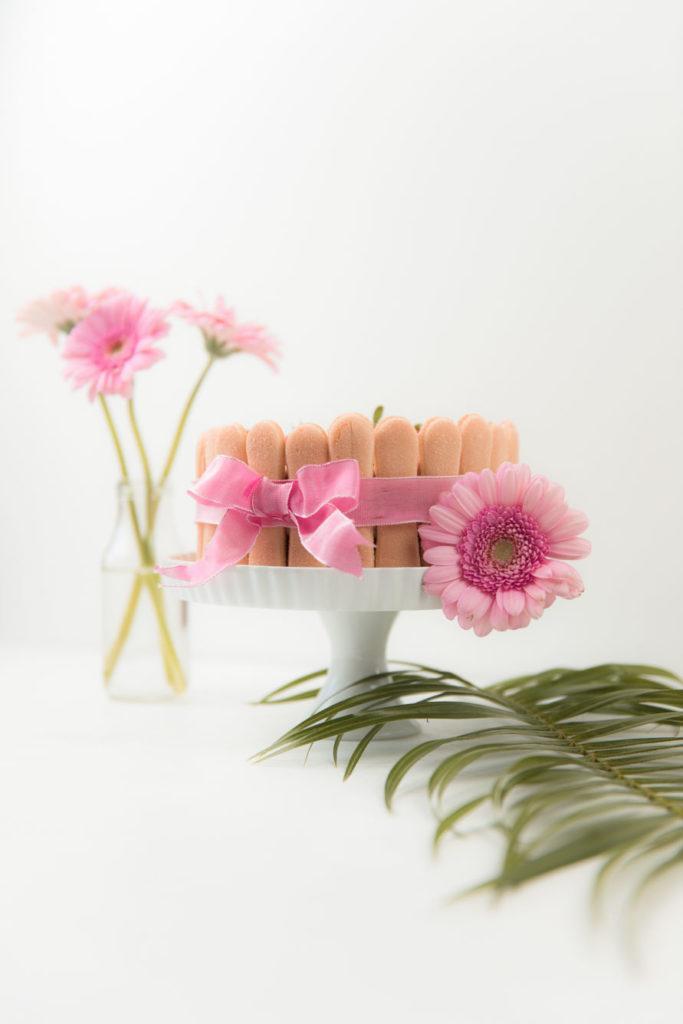 Koestliche Erdbeer Charlotte als Muttertagstorte nach einem Rezept von Sweets and Lifestyle