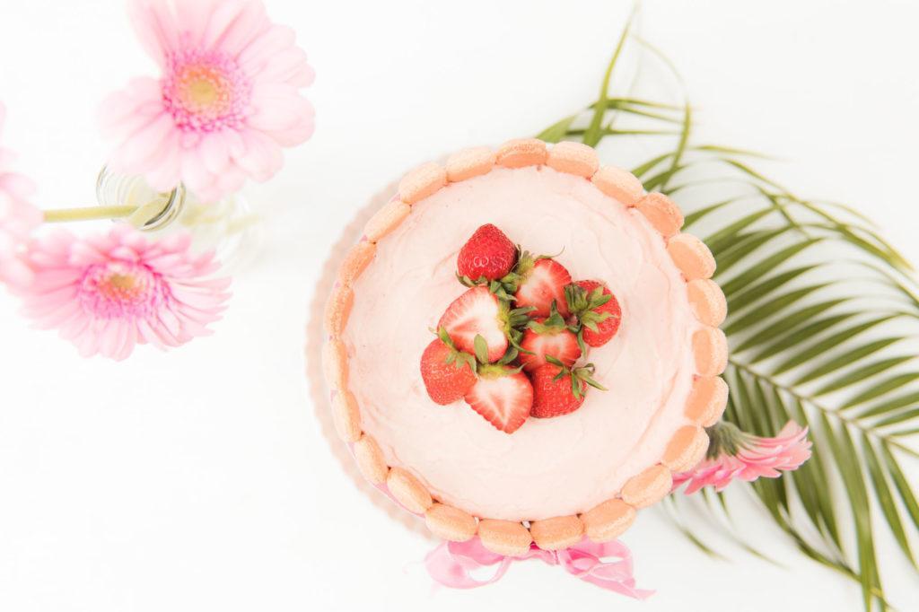 Leckere Erdbeer Charlotte fuer besondere Anlaesse nach einem Rezept von Sweets and Lifestyle
