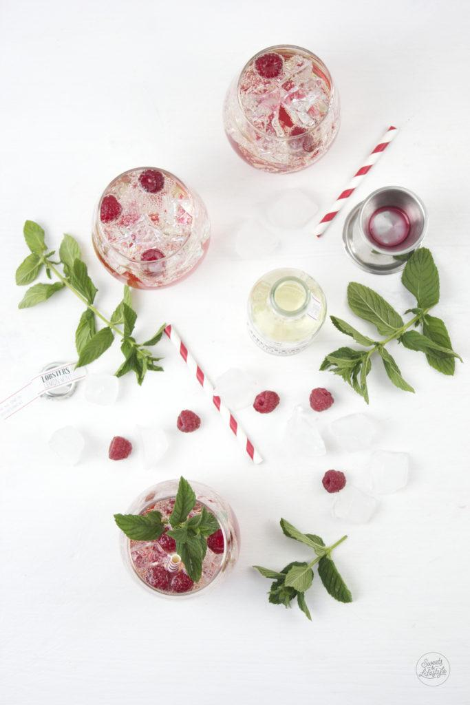 Leckerer, erfrischender Raspberry Lemon Mint Cocktail kreiert von Sweets and Lifestyle