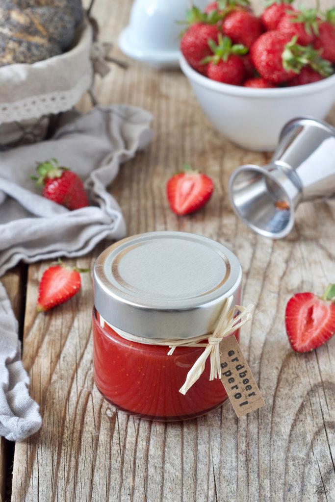 Selbst gemachte Erdbeer Aperol Marmelade von Sweets & Lifestyle®