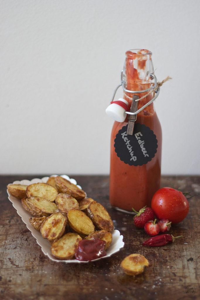 Selbst gemachtes Erdbeerketchup als Grillsauce von Sweets and Lifestyle