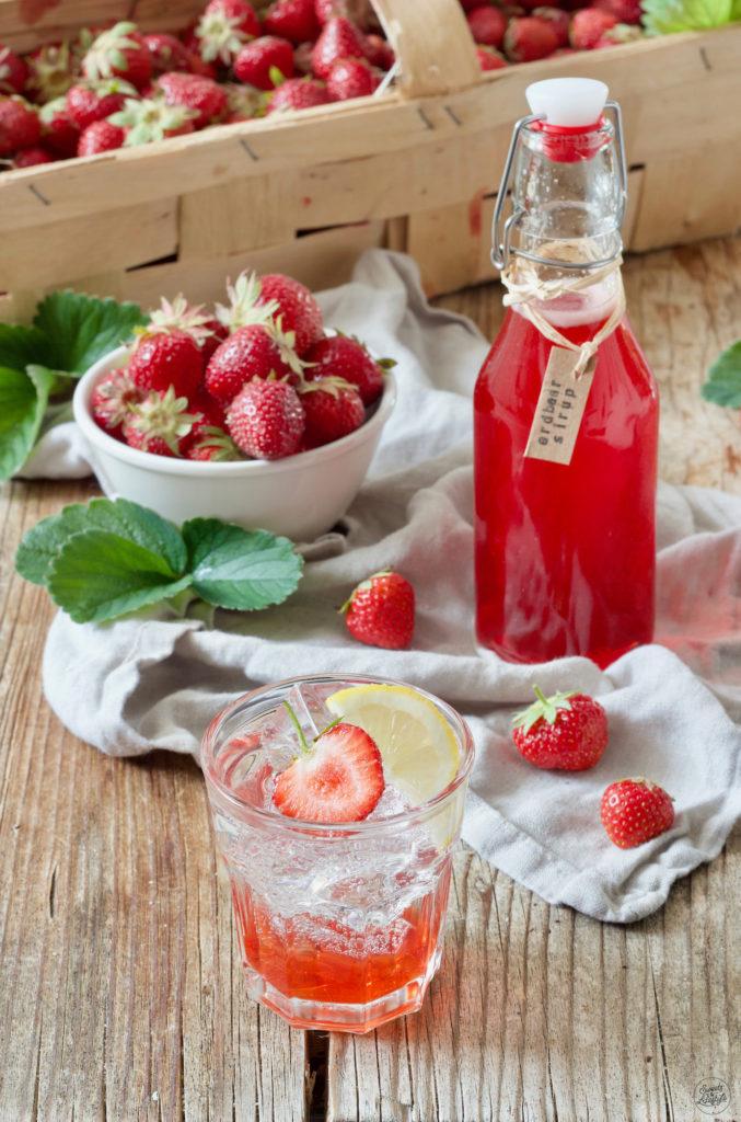 Erdbeersirup selber machen nach dem Rezept von Sweets & Lifestyle®