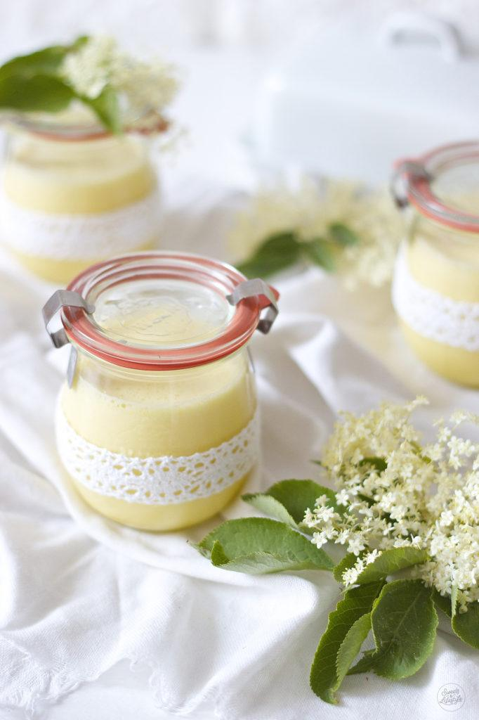 Holunderblueten Curd nach einem Rezept von Sweets and Lifestyle zum Fruehstueck