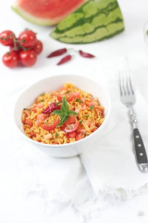 Reissalat mit Chili Wassermelone und Tomate von Sweets and Lifestyle