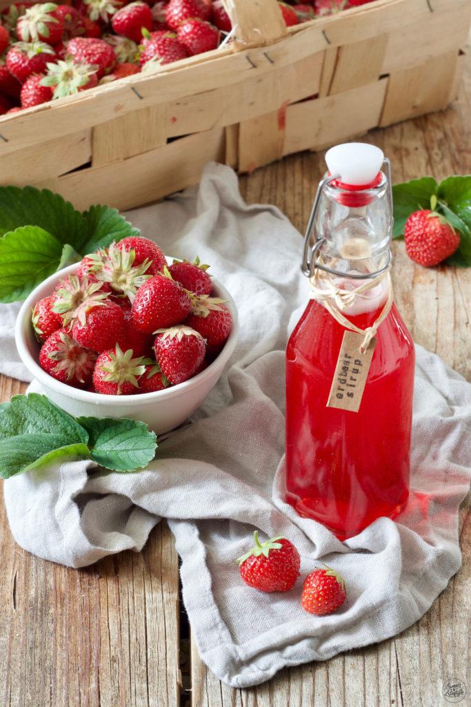 Selbst gemachter Erdbeersirup nach einem Rezept von Sweets & Lifestyle®