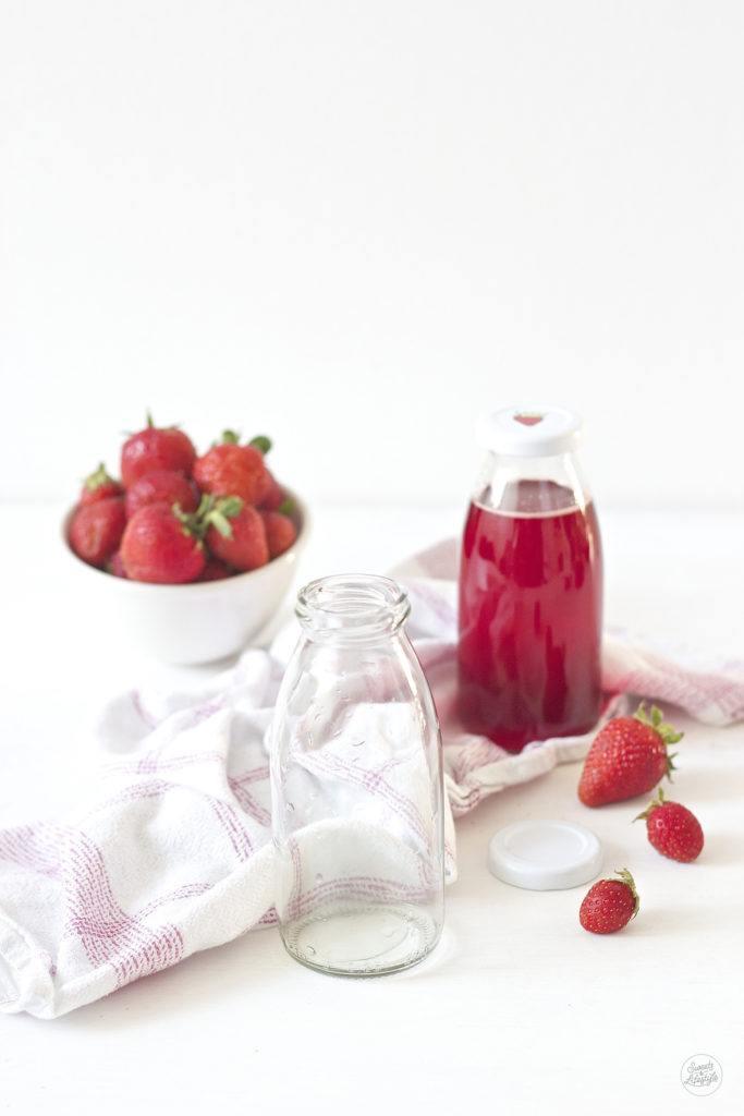 Leckerer, selbst gemachter Erdbeersirup von Sweets and Lifestyle