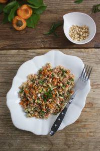 Erfrischende Tabouleh mit Marillen, der perfekte Sommersalat, von Sweets and Lifestyl