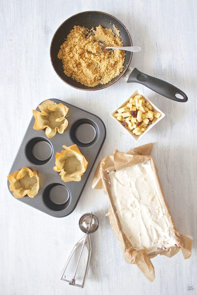 Herstellung vom leckeren Apfelstrudeleis im Teigschuesserl von Sweets and Lifestyle