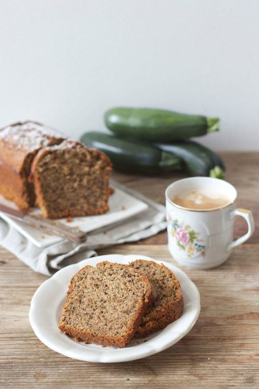 Leckerer Zucchini Nuss Kuchen von Sweets and Lifestyle
