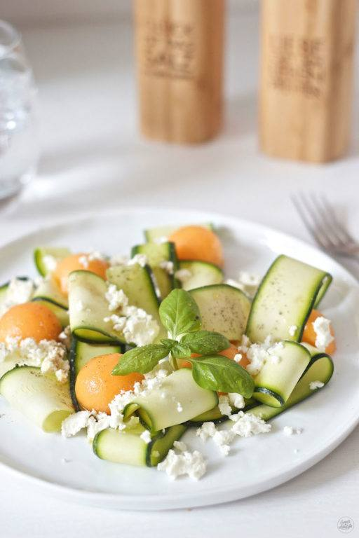 Leckerer Zucchini Melonen Salat von Sweets and Lifestyle