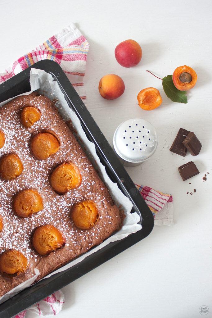 Saftiger Schoko Marillen Kuchen von dem man nicht genug bekommt von Sweets and Lifestyle