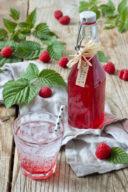 Selbst gemachter Himbeersirup nach einem Rezept von Sweets & Lifestyle®