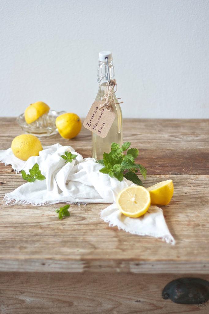 Leckerer Zitronenmelissensiurp selbst gemacht von Sweets and Lifestyle