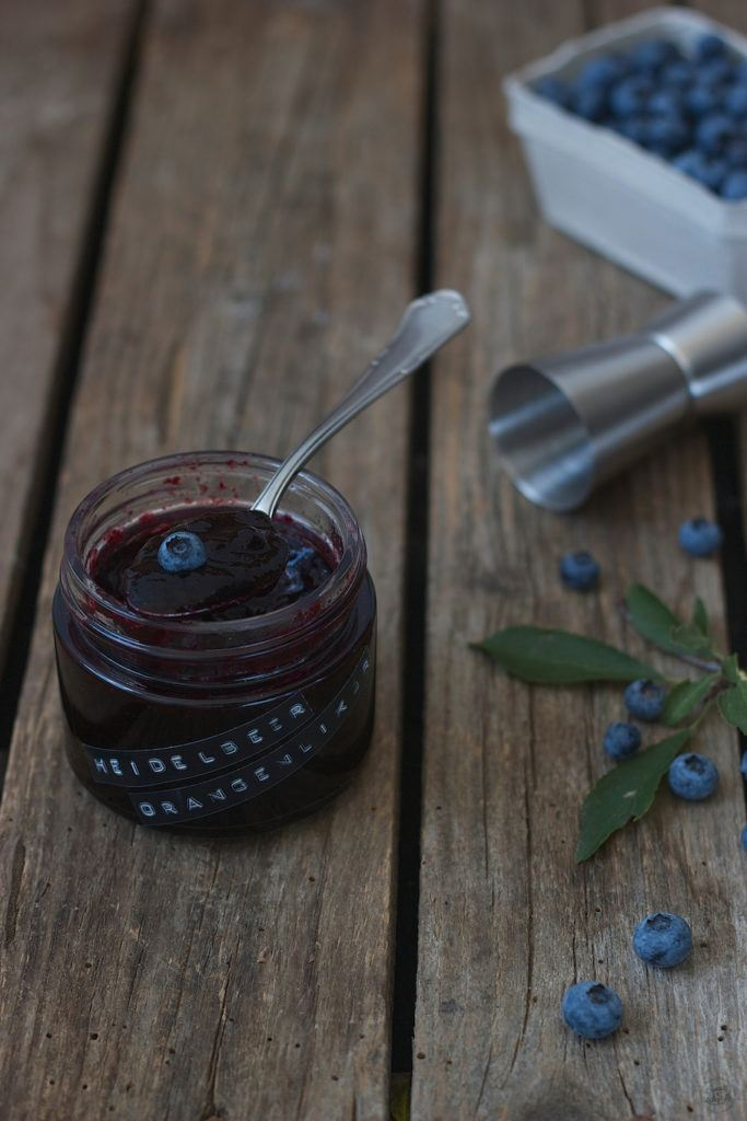 Leckere, fruchtige Heidelbeer Orangenlikoer Marmelade von Sweets and Lifestyle
