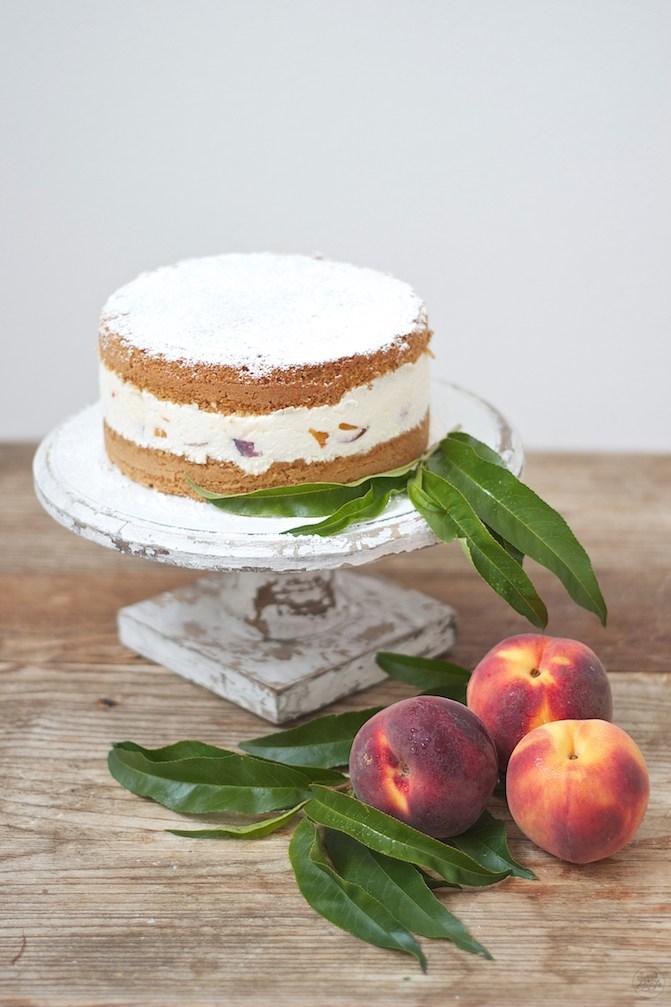 Erfrischende Topfen Pfirsich Torte Rezept von Sweets and Lifestyle