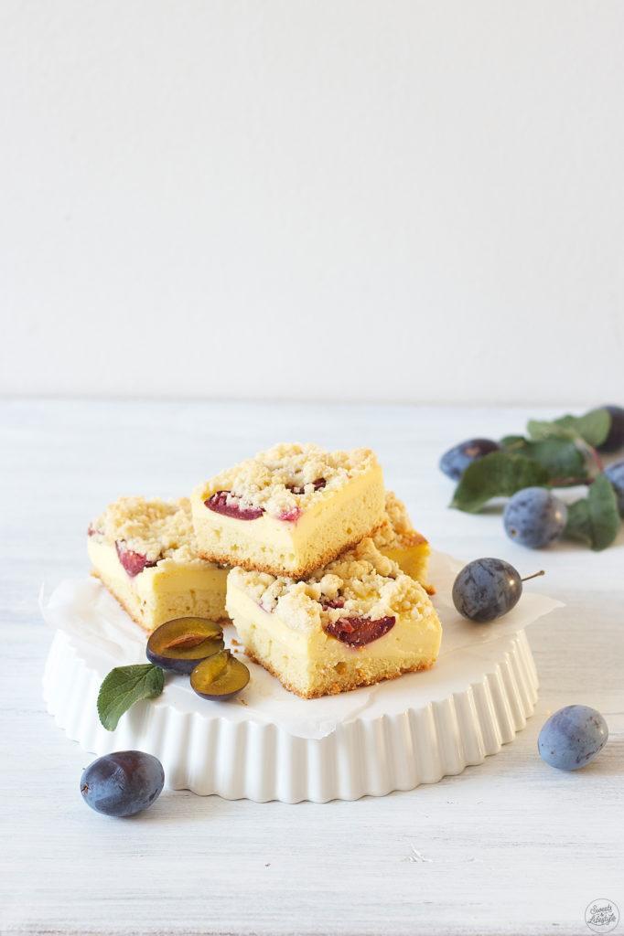 Leckerer Zwetschken Topfen Kuchen mit Streusel vom Blech zur Kaffeejause von Sweets and Lifestyle